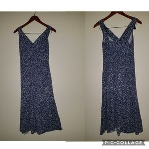 NY & CO M Blue and white sleeveless summer dress